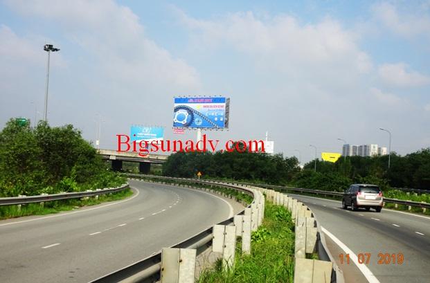 Quảng cáo cho nhãn Mạnh Quang tại Cao tốc Long Thành Dầu Giây